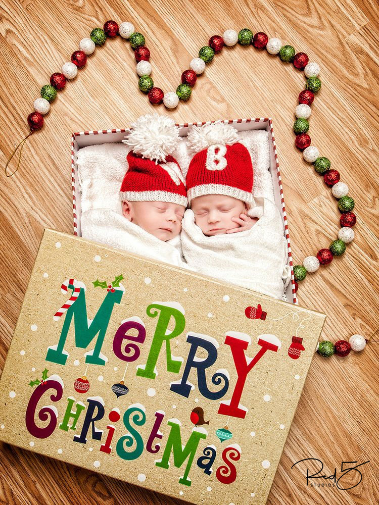 christmas-baby-present
