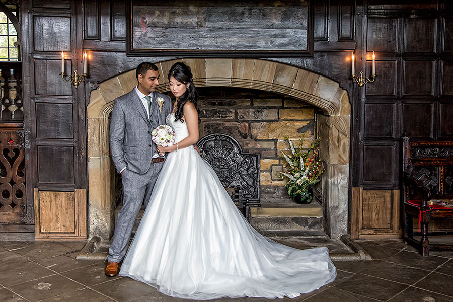 Oakwell Hall (Birstall) Wedding Photography - 004