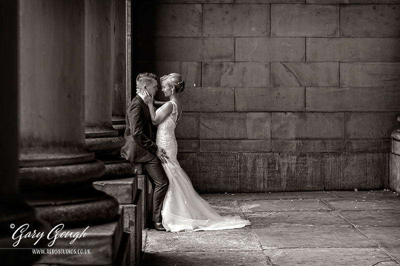 Leeds-Town-Hall-wedding-photography-+-Oulton-Hall-Leeds---024